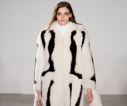 IS IT OK TO WEAR FUR NOW?