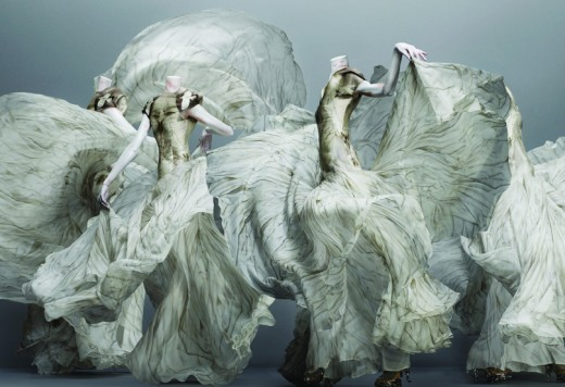 BREAKING: ALEXANDER MCQUEEN SAVAGE BEAUTY COMES TO LONDON