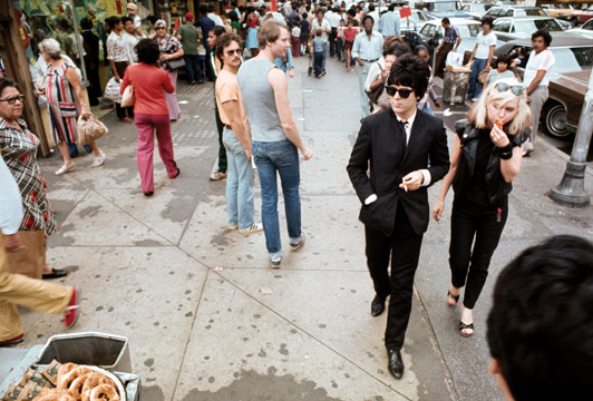 Debbie Harry and Clem Burke on 14th Street in New York, 1976 (via The Telegraph/Chris Stein)